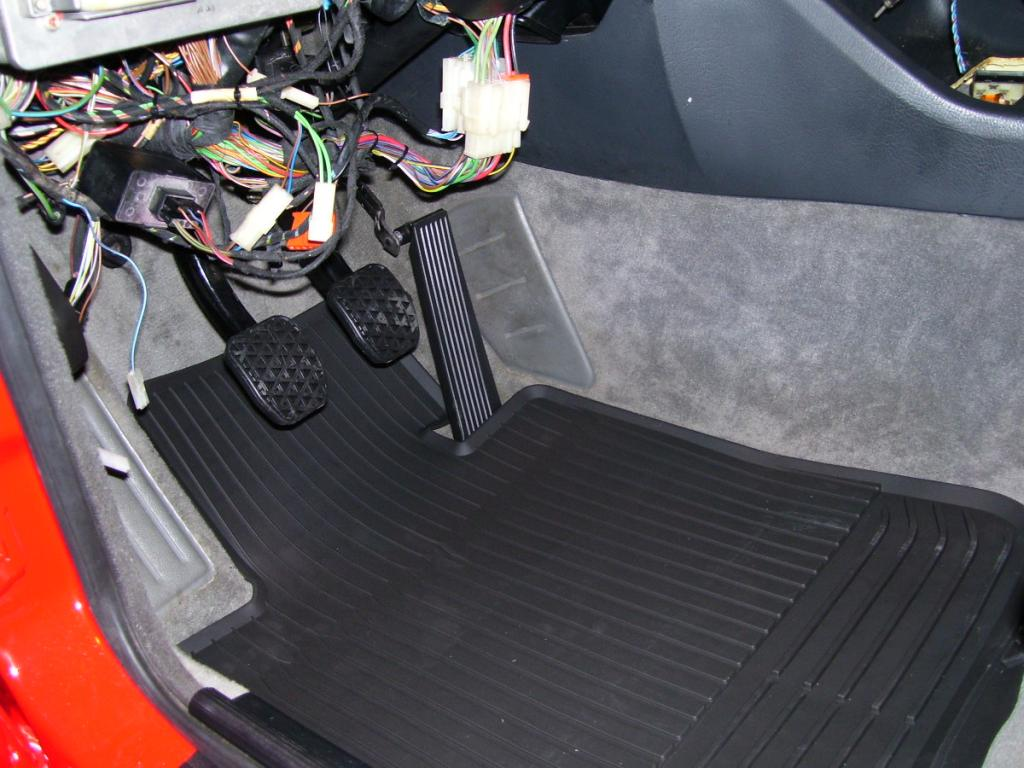 Rubber floor mats bmw 3 series - Name 100_1215 Jpg Views 6306 Size 105 4 Kb