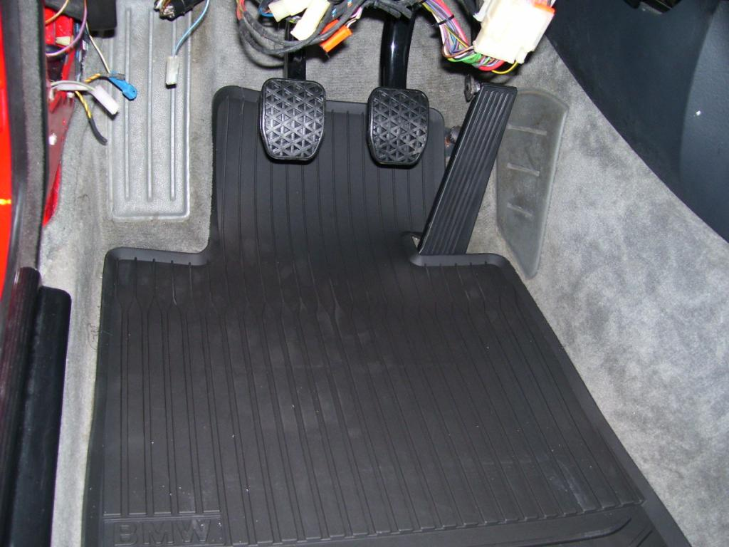 Rubber floor mats bmw 3 series - Name 100_1216 Jpg Views 5578 Size 93 6 Kb