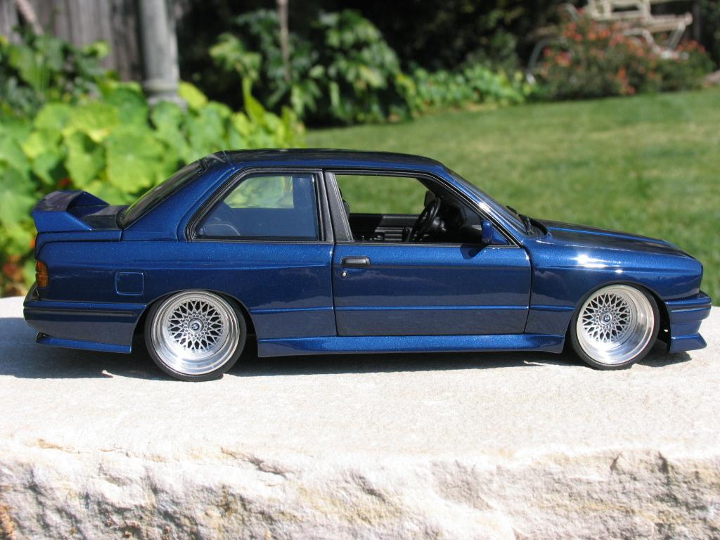 Minichamps BMW E30 non EVO