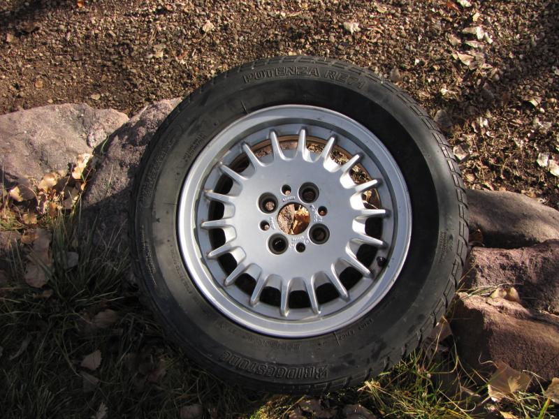 r3v_bottlecap_with_good_tire.jpg