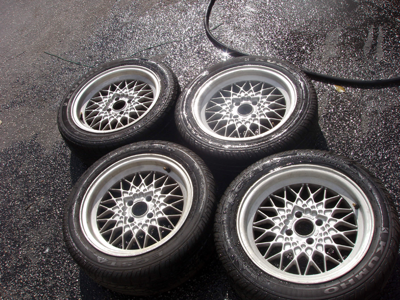 What Cars Come With 15 4X100 Steel Wheels | eHow.com