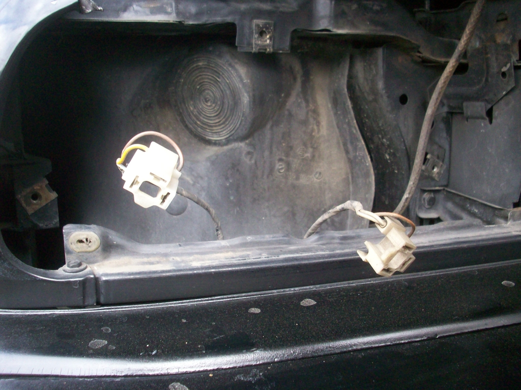 How To Install Us Ellipsoids Using My Plug And Play Connector Set Quick Fit High Beam Wiring Harness Step 3 In Socket Brown Wire Always Goes This Is Ground